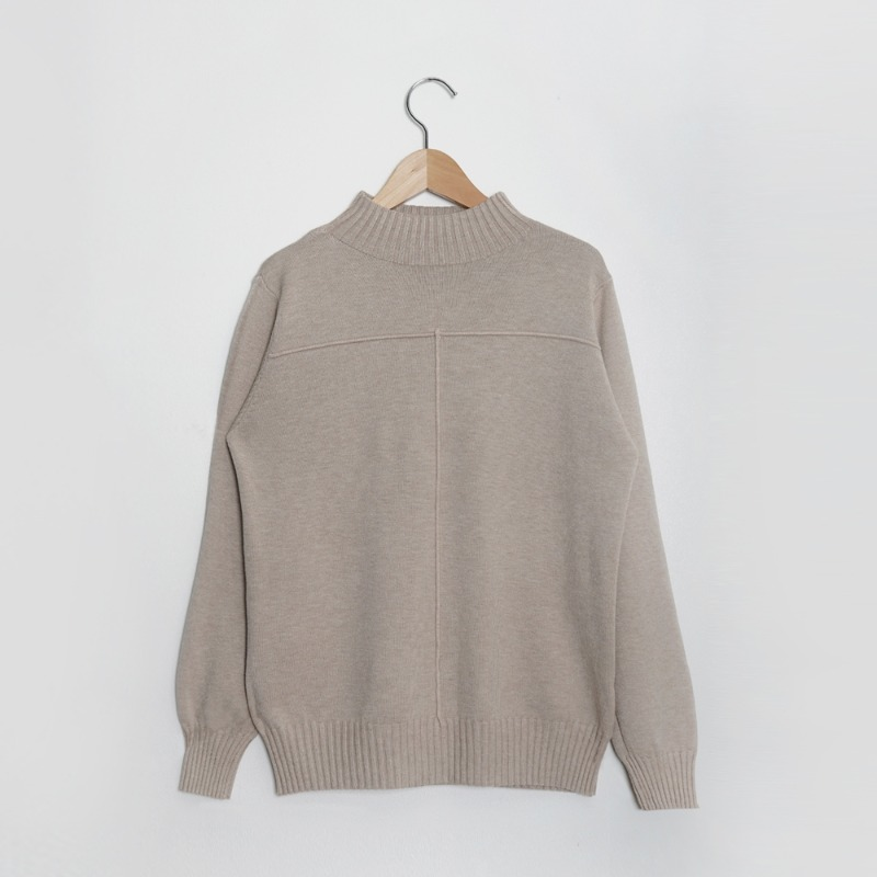 Cross Square Half Turtle Neck Soft Knit Tee_Beige