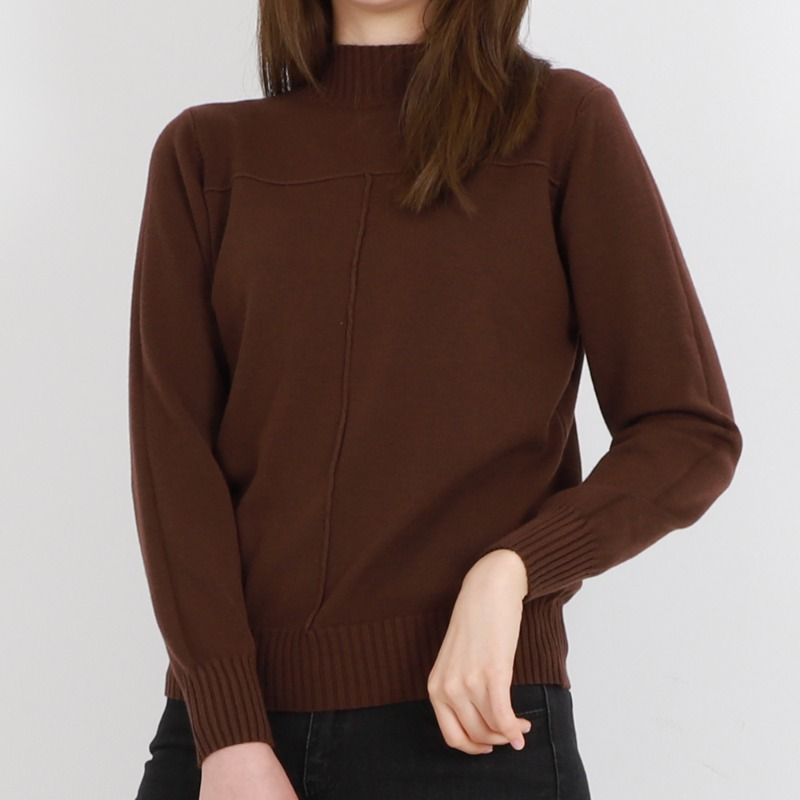 Cross Square Half Turtle Neck Soft Knit Tee_Brown